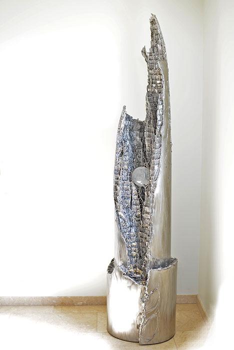 brunnenskulptur aus edelstahl geschwei te kunst aus. Black Bedroom Furniture Sets. Home Design Ideas
