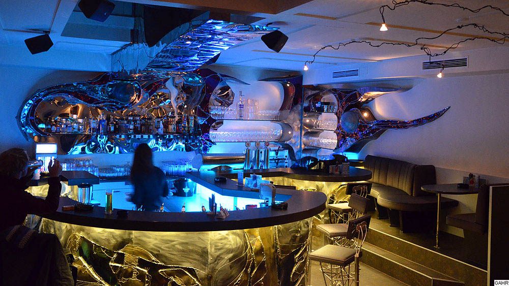 Music Club und Bar Design aus Metall
