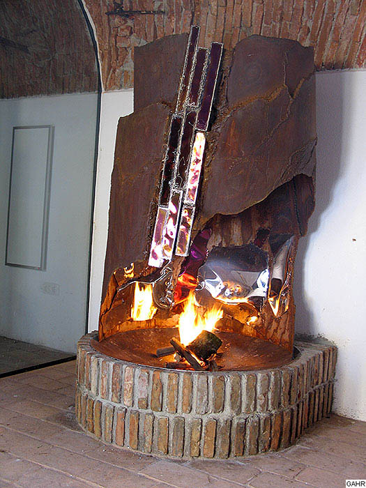 fireplace mantels and fire sculptures from metal artist gahr. Black Bedroom Furniture Sets. Home Design Ideas