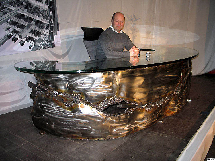 Remarkable Metal Art Furniture 750 x 563 · 115 kB · jpeg