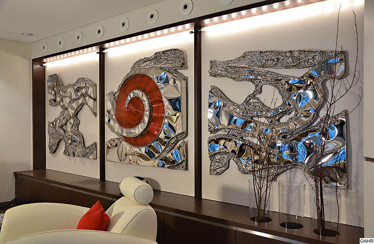 GAHR - Polished Stainless Steel Artwork for an Exclusive Living Room