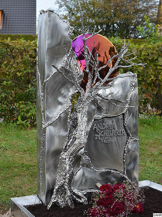 Artistic Grave Monuments Welded Crosses And Gravestones