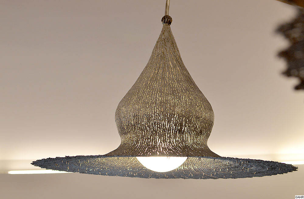 Artistic Ceiling Light Metal Pendant Light Gahr