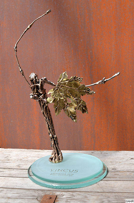 Modern Vine Trophy Design