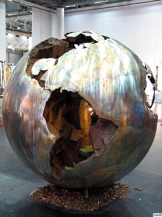 Welded Globe Fountain made of Stainless Steel and Rusted Steel